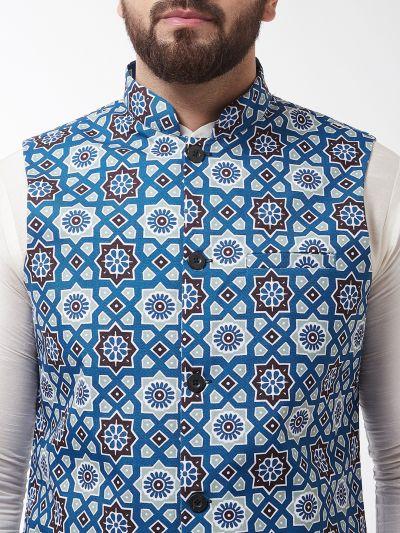 Sojanya (Since 1958), Men's Silk Blend OffWhite Kurta With Pyjama & Indigo Printed Nehrujacket Combo